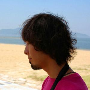 海にて撮影。